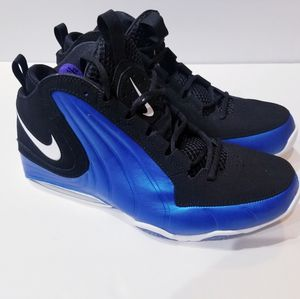 Brand new 2018 men,s Nike air max wavy basquetball shoes black/blue -size 10 for Sale in Concord, CA