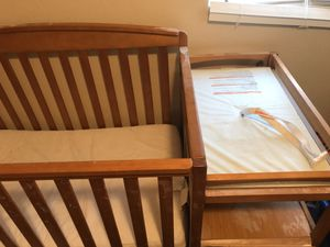 Crib?day bed/changing table for Sale in Glendale, AZ
