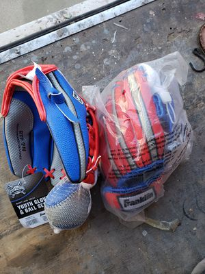 Two Franklin Youth Baseball Gloves for Sale in Modesto, CA