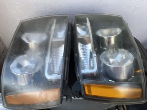 Headlights for a 2008 Chevy Tahoe for Sale in Lathrop, CA