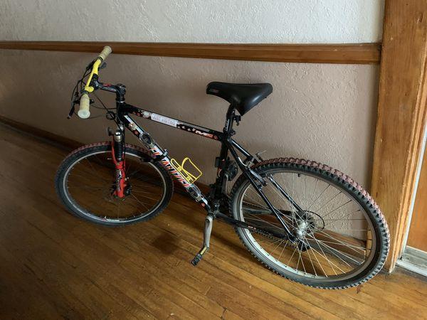 Specialized Stump Jumper Modified Mountain Bike