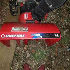 Troy Bilt Snow Blower for Sale in Staten Island, NY
