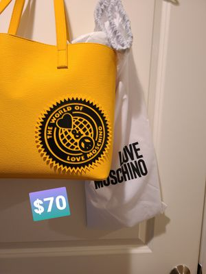 MOSCHINO authentic tote and matching wallet for Sale in Rockville, MD