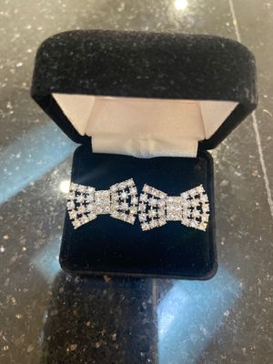Kate spade bow earrings for Sale in Orlando, FL