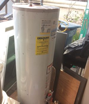 Gas water heater 30 gal for Sale in Hawthorne, CA