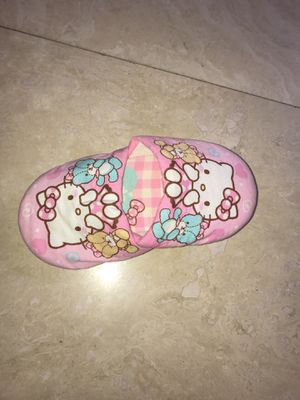 Hello kitty girls slippers 2t-3 for Sale in Dearborn, MI