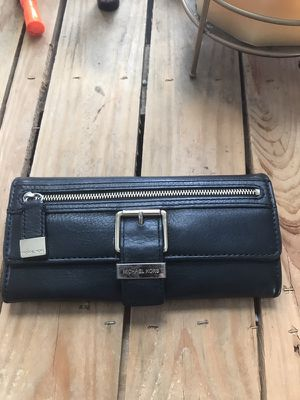 Michael Kors Wallet for Sale in Cleveland, OH