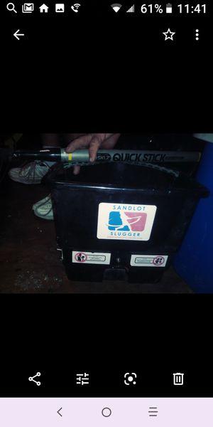 Baseball pitching machine w/bat for Sale in Lutz, FL