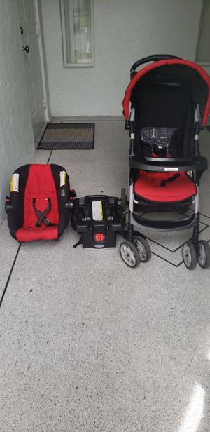 Graco set car sit and stroller- very good condition for Sale in West Palm Beach, FL