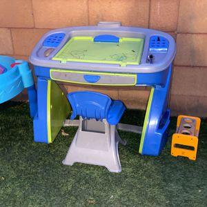 Kid Desk for Sale in Phoenix, AZ