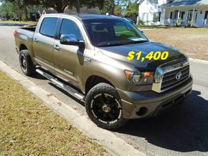 🍁🍁$14OO Selling my 2008 Toyota Tundra.🍁🍁 for Sale in Fresno, CA