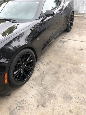"20"" rims w/tires like new.Camaro ZL1 style for Sale in Las Vegas, NV"