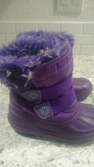 Girls winter boots size 9/10 for Sale in Kennewick, WA