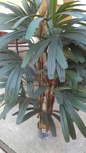 **ARTIFICIAL FAKE PLANT** for Sale in Fountain Valley, CA