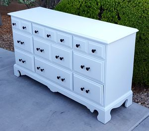 Furniture White Dresser *Price Includes Delivery* for Sale in Las Vegas, NV