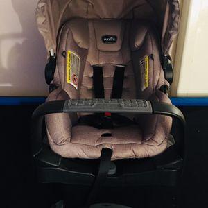 Evenflo Modular Pivot Modular Safemax Car Seat for Sale in Bell Gardens, CA
