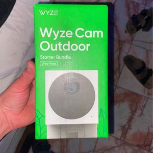 Wyze Cam Outdoor Starter Bundle for Sale in Whittier, CA