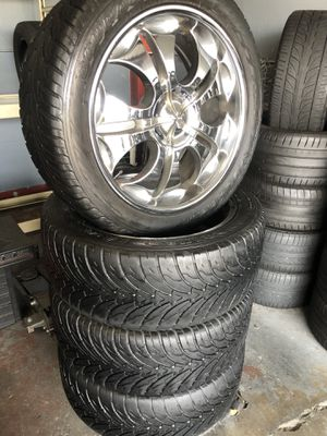 305/40R22 TIRES AND WHEELS $350 CASH NO TRADES for Sale in Cudahy, CA