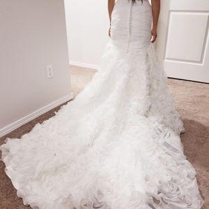 Wedding Dress Size 2 for Sale in Lynnwood, WA