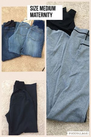 Size medium maternity long pants for Sale in Elgin, IL