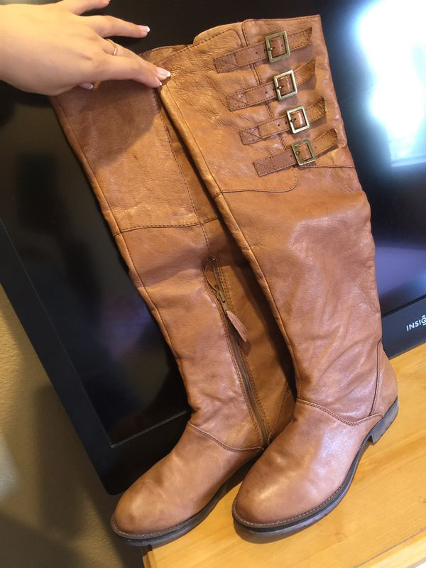 Boots size 9 black or tan
