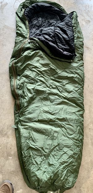 MILITARY ISSUE SLEEPING BAG SYSTEM for Sale in Miami, FL