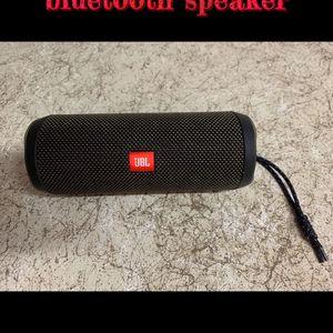 JBL Flip 4 Bluetooth Speaker for Sale in Bakersfield, CA