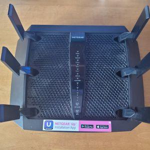 Netgear Nighthawk Xj6 AC 3000 Tri-band Router for Sale in San Diego, CA