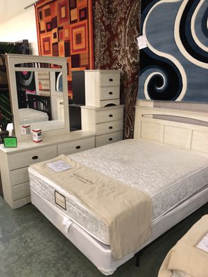 5 piece bedroom set for Sale in Hazelwood, MO