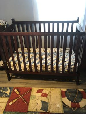 Crib & Changing table 4 sale for Sale in Tampa, FL