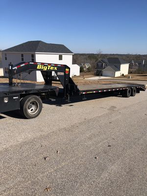 2018 25GN 30+5 Big Tex Gooseneck Trailer with Duck Tail Ramps for Sale in Covington, GA