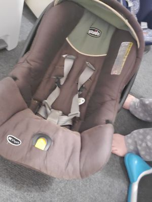 Chicco Infant Car Seat for Sale in Mount Olive, AL