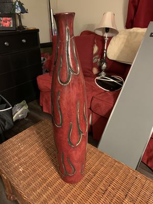 2ft tall red vase for Sale in Tampa, FL