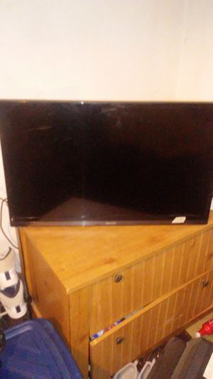 Tv 32 inches for Sale in St. Louis, MO