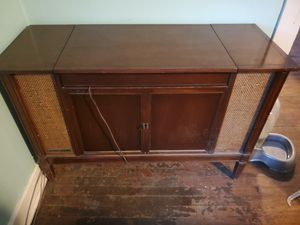Gorgeous antique record player cabinet for Sale in Murfreesboro, TN