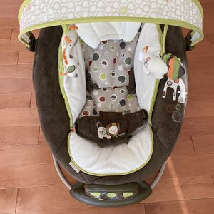 Ingenuity - Automatic Baby Bouncer for Sale in Chicago, IL