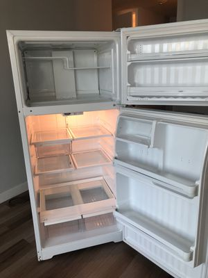 Appliances Stove Electric, Microwave and Refrigerator Whirlpool for Sale in IL, US