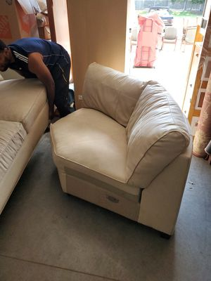 3 piece couch sectional for Sale in Vancouver, WA