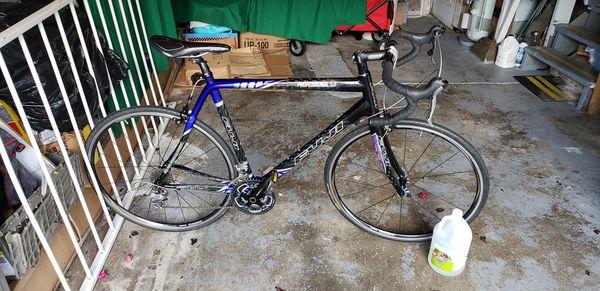 Fuji carbon road bike best offer