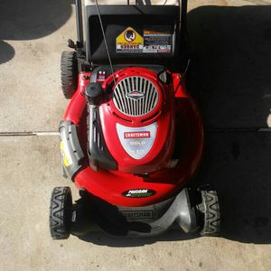 CRAFTSMAN Lawnmower 6.75hp for Sale in Cerritos, CA