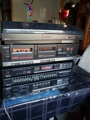 Vintage Akai Stereo Rack Cabinet System, turntable, receiver for Sale in Needville, TX