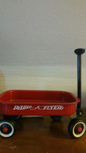 Small radio flyer wagon for Sale in Sioux Falls, SD