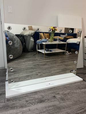 Vanity Mirror for Sale in Los Angeles, CA