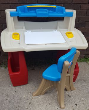 Kids Desk for Sale in Farmington Hills, MI