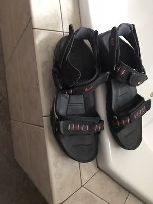 Men's Nike Sandals size 11 for Sale in Lockport, IL