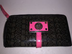 Marc Jacobs patent leather zip around wallet for Sale in Dublin, OH