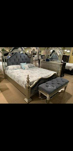 Sterling Silver Mirrored Poster Bedroom Set for Sale in College Park,  MD