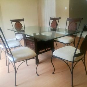 Dining table with 6 chairs for Sale in Houston, TX