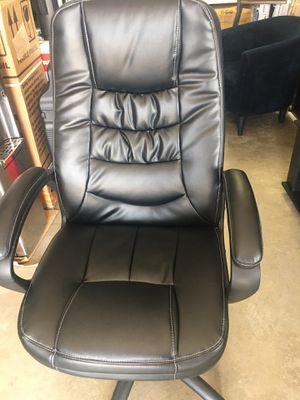 Sillas de escritorio de leather. New for Sale in Houston, TX