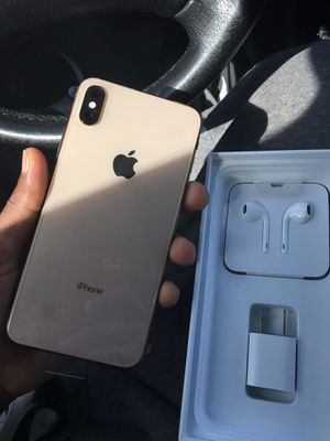 I phone xsmax 64 Gb factory unlock from apple for Sale in Staten Island, NY